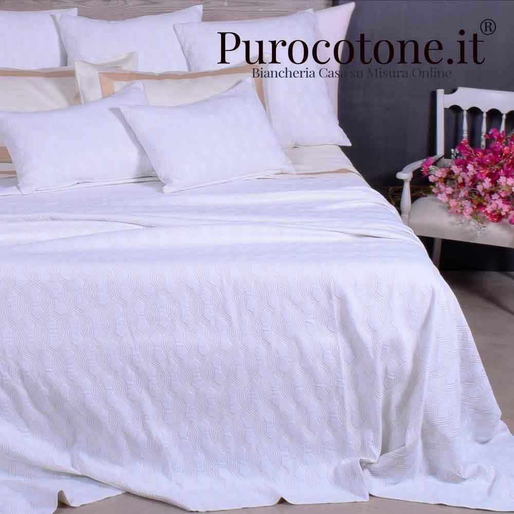 Copriletto Jacquard 3 completo di 3 Cuscini 55x55 e 2 Cuscini 55x35 Matrimoniale Misura 270X270